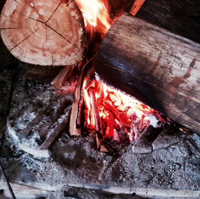 fogo 2 achas com braseiro